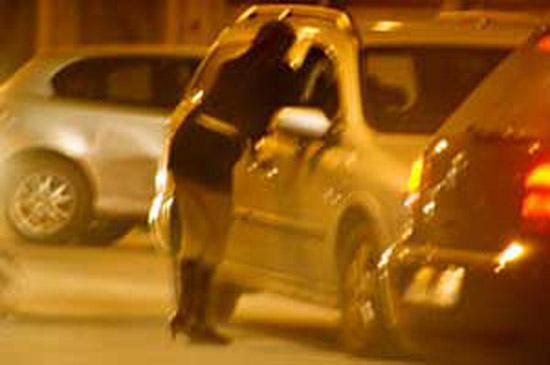 #Roma, si apparta con una prostituta e la rapina