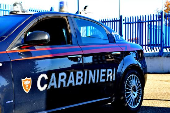 Roma, papà picchia la mamma: bimbo di 6 anni chiama il 112