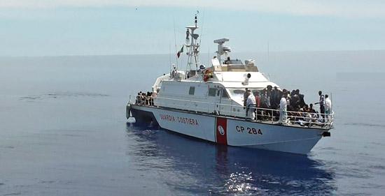 Migranti solo ieri salvati in 5mila sono attesi nei porti siciliani