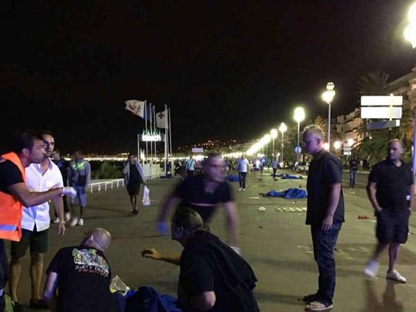 Attentato a Nizza, i numeri per le emergenze