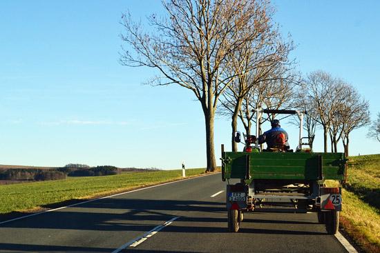 In vacanza col trattore, fermato sulla Orte-Ravenna