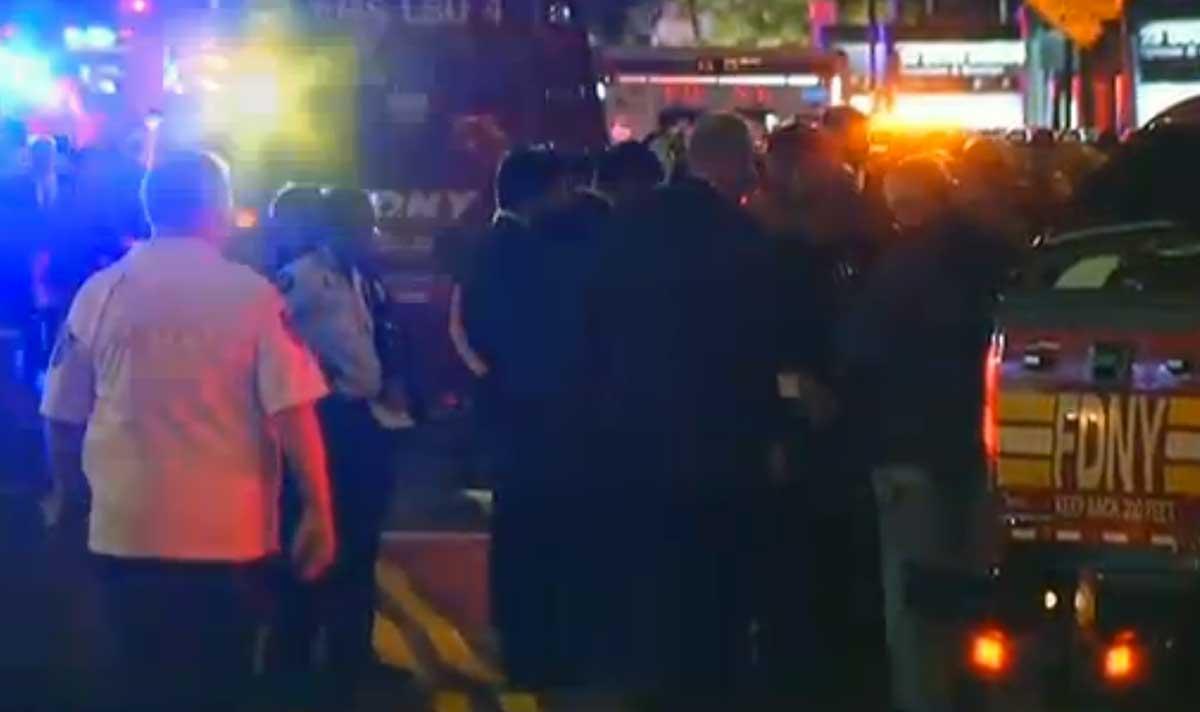 Esplosione a New York, decine di feriti