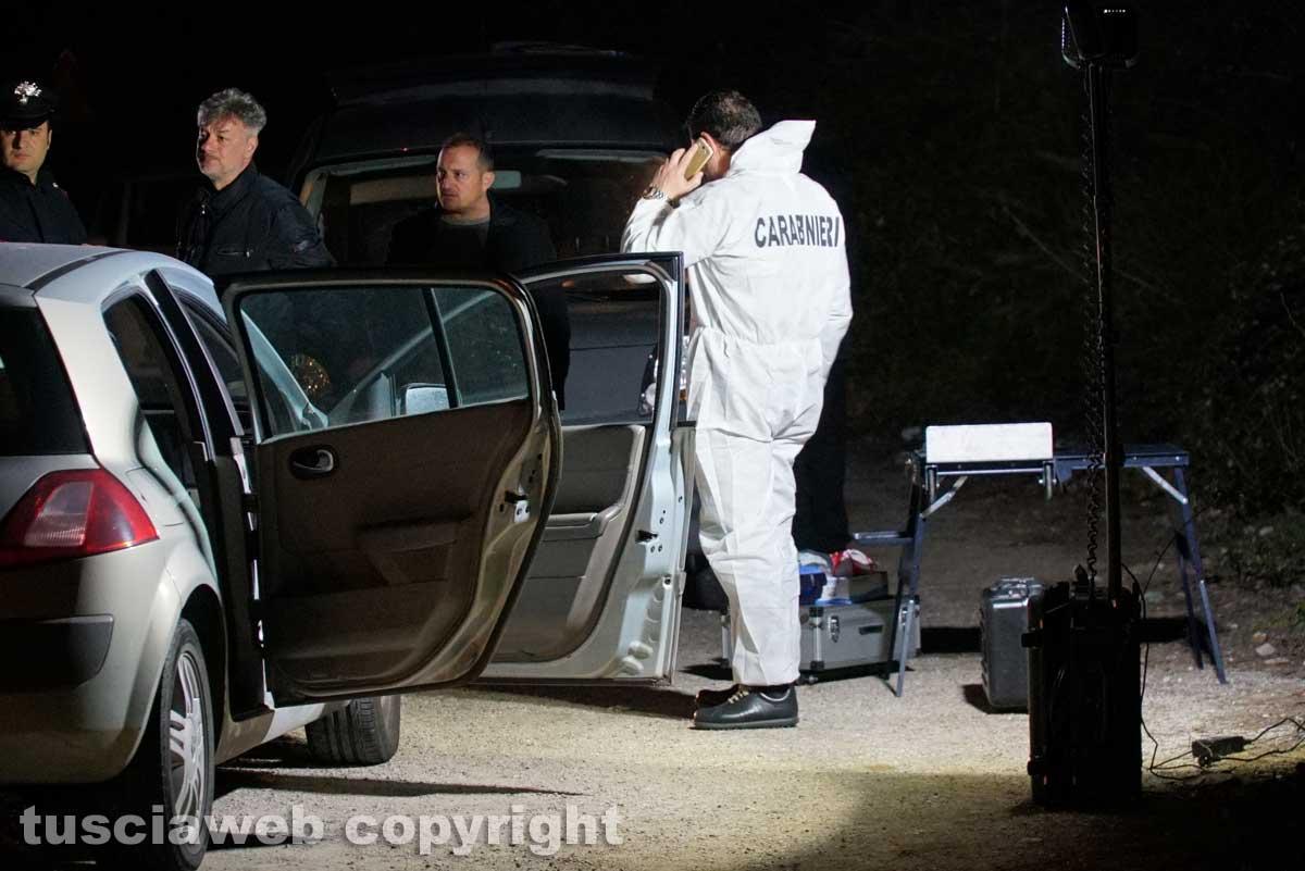Orte, giovane coppia trovata morta in auto: si sospetta omicidio-suicidio