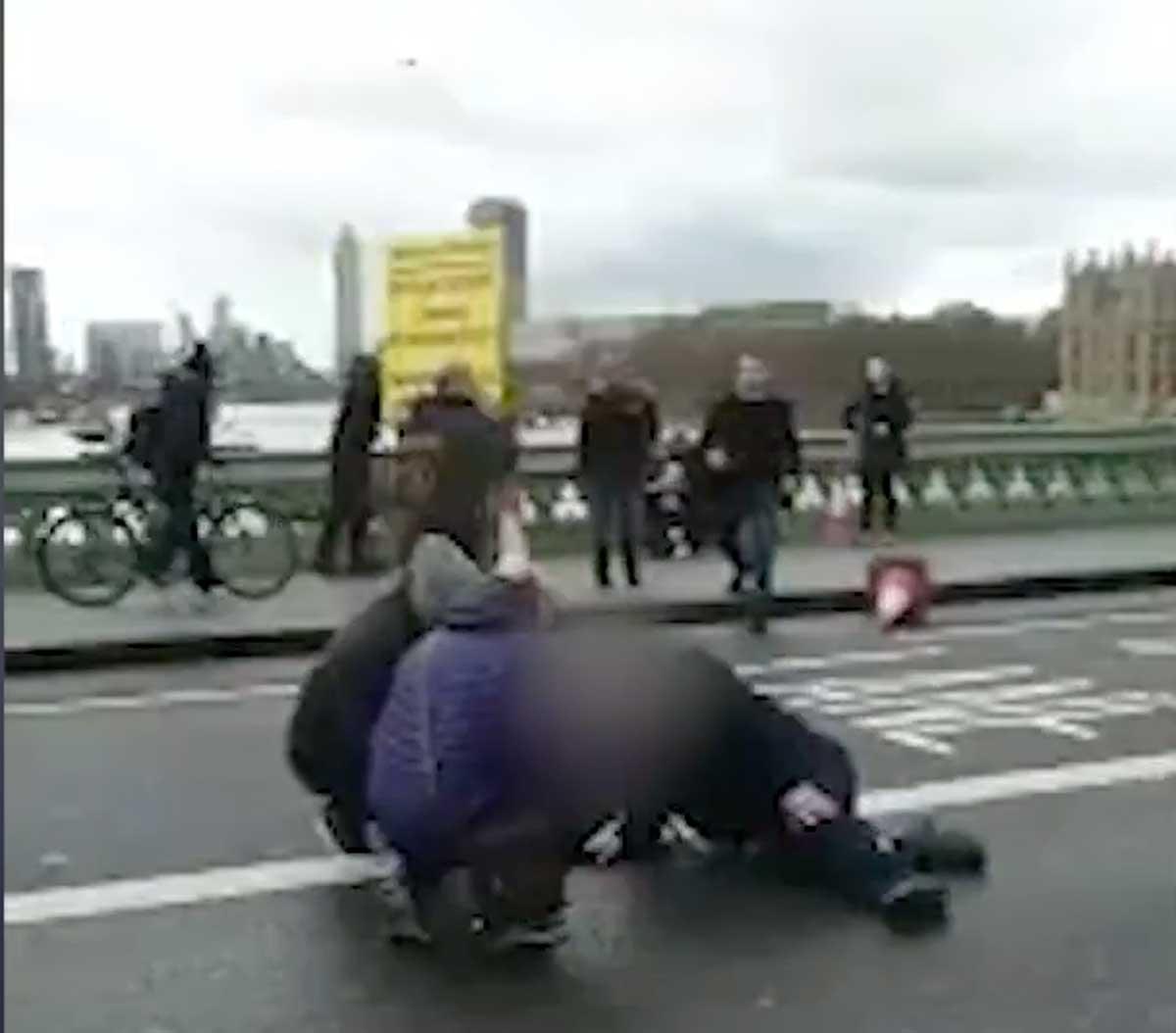 Londra, spari davanti a Westminster: 12 feriti
