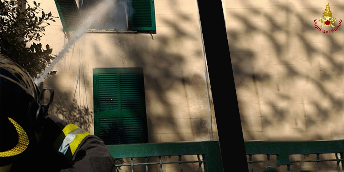 San Paolo: incendio in un appartamento, salvata un'anziana
