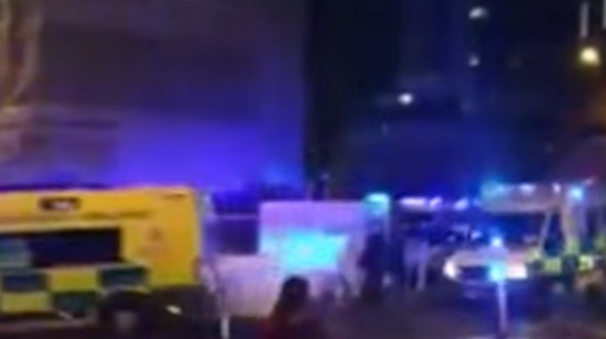 Terrorismo. Manchester, bomba a concerto: 19 morti e 50 feriti dimensione font +