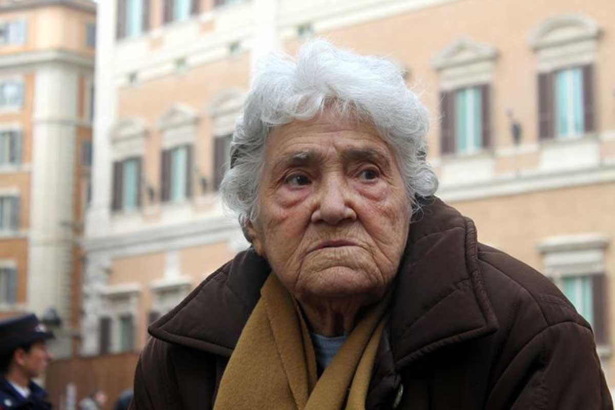 Addio ad Annarella, la nonnina che