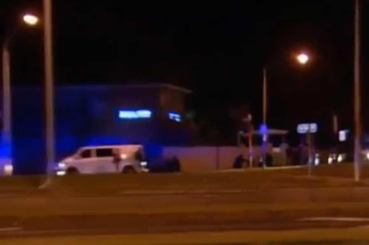 Australia: terrorista prende in ostaggio una donna ed uccide un uomo