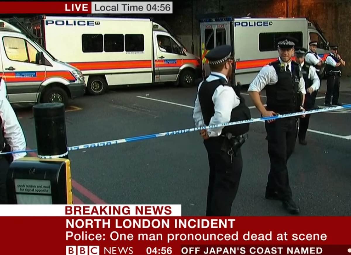 Londra- Furgone su folla di fedeli- La notizia sulla Bbc